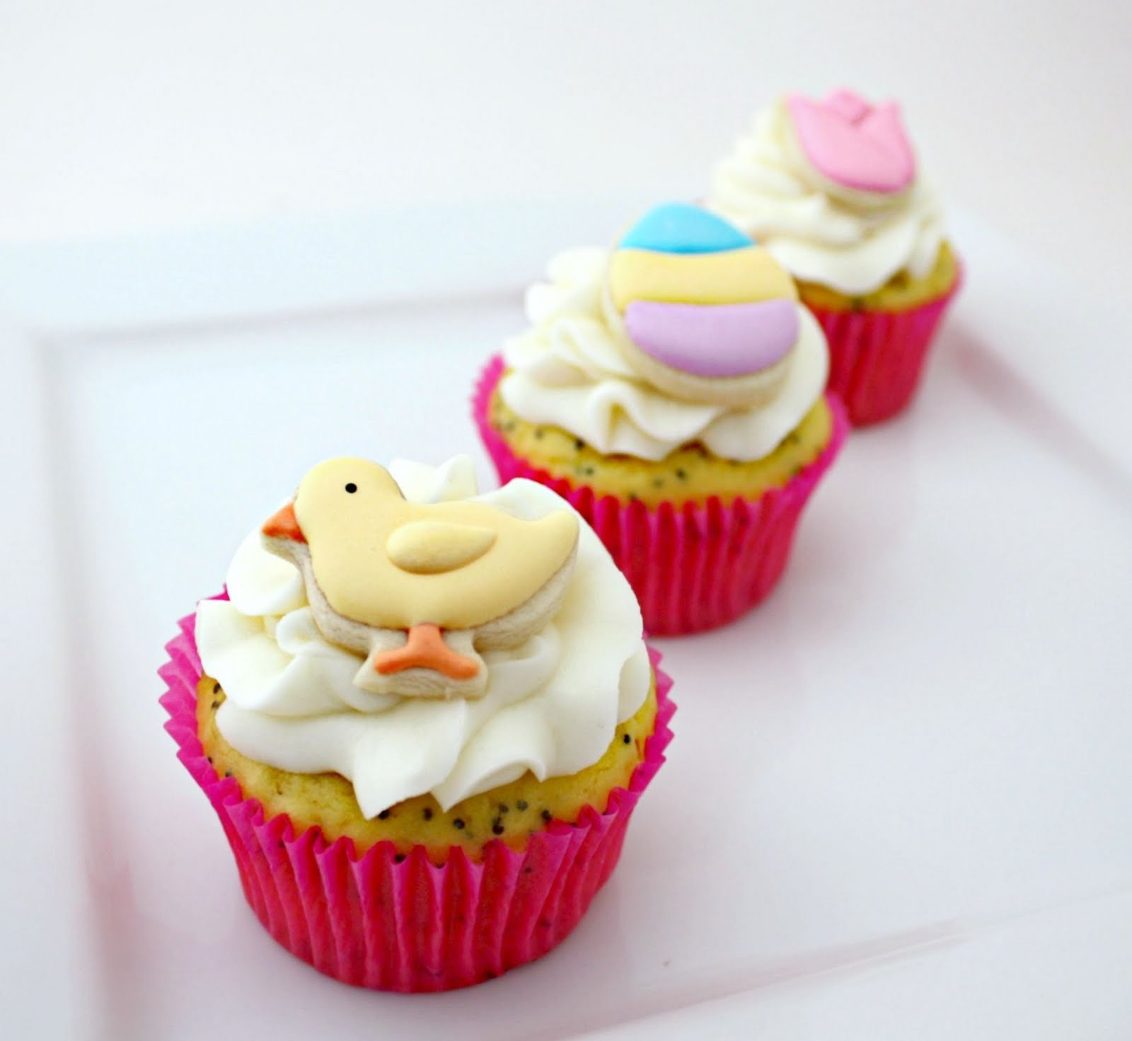 Simple Easter Cupcakes And Cookie Toppers