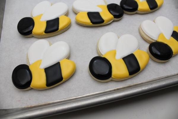 Sweet Bumblebee Cookies – The Sweet Adventures of Sugar Belle