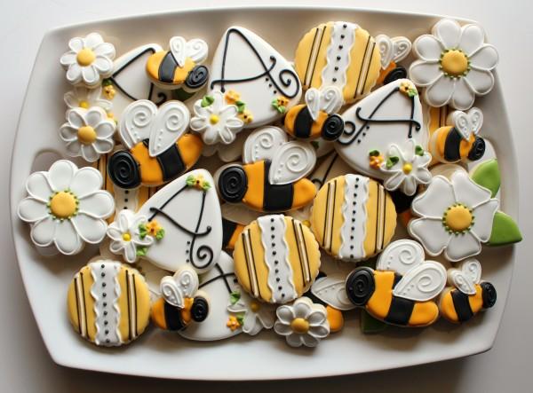 Bee Cookies Sweet bumblebee cookies – the sweet adventures of sugar ...