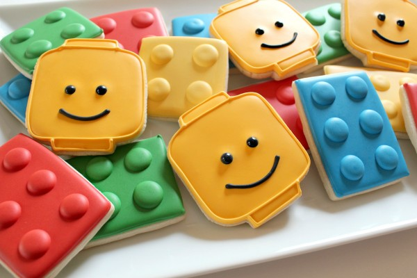 http://www.sweetsugarbelle.com/2012/02/easy-lego-cookies/