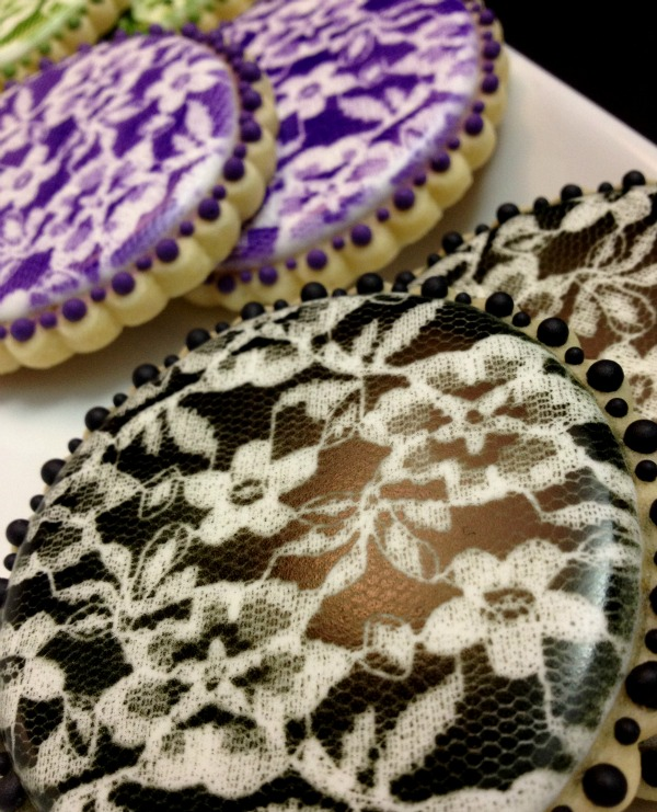 Airbrushing lace on cookies SweetSugarBelle 5