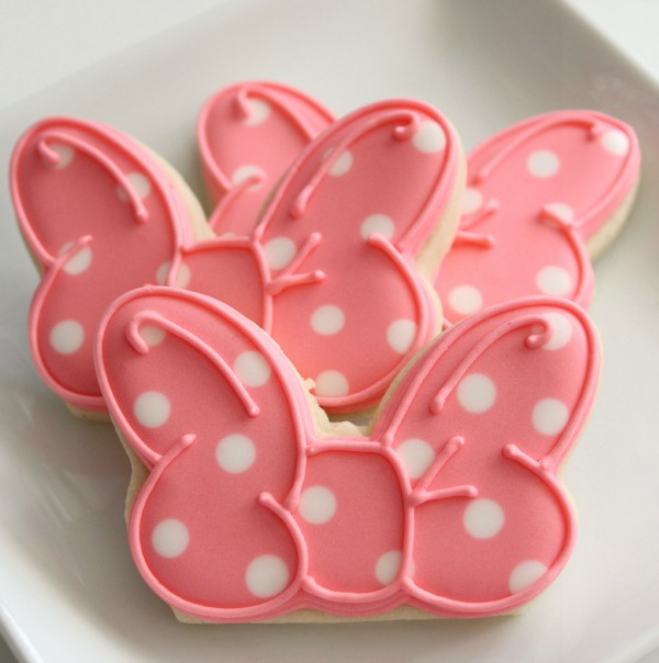 Minnie Mouse Bow Cookies 1