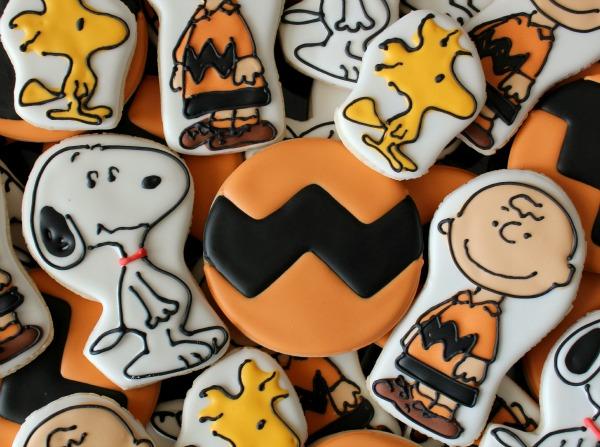 Charlie Brown Shirt Cookie