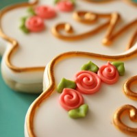 Simple Royal Icing Roses 1