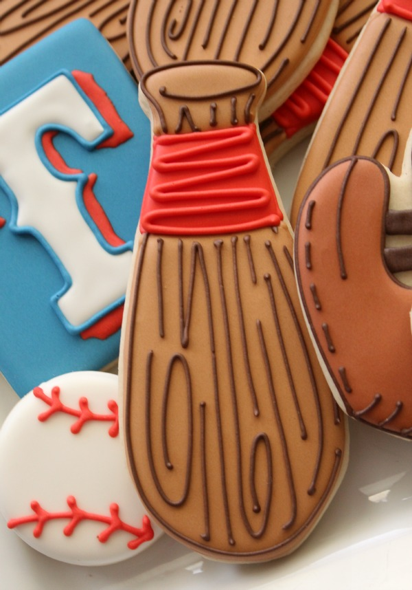 Cute Baseball Bat Cookies