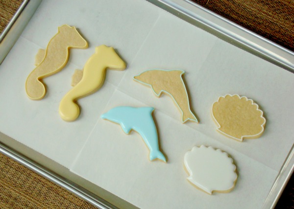 Seahorse Dolphin and Seashell Cookies1