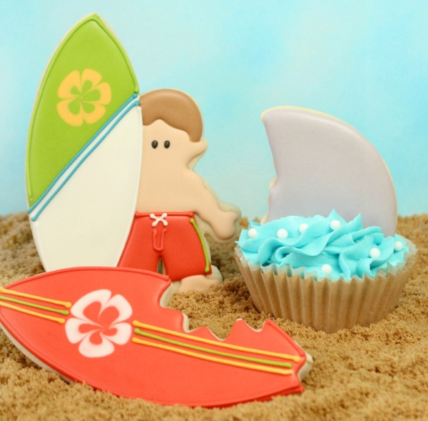 Shark Fin Cupcake Toppers_Sweetsugarbelle