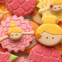 Bowing Ballerina Cookies Close