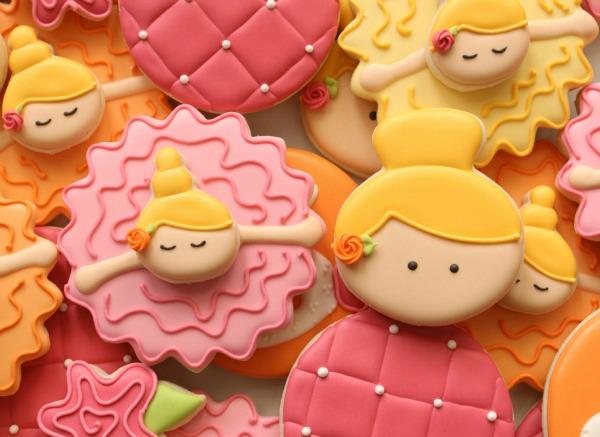 Bowing Ballerina Cookies Close