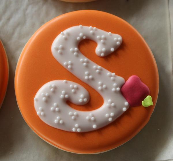 Rose Monogram Cookie 5