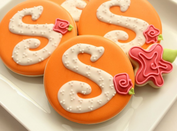 Rose Monogram Cookie 7