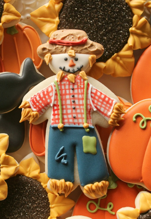 Standing Scarecrow Cookie_Sweetsugarbelle