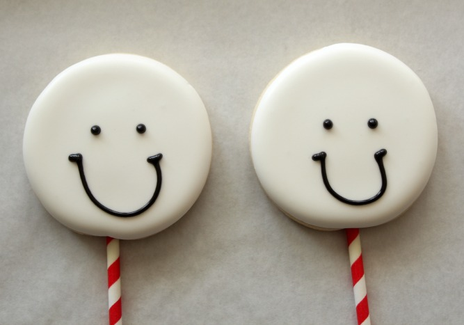 Snowman Cookie Pops 2