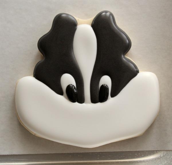 Skunk Face Cookies 6