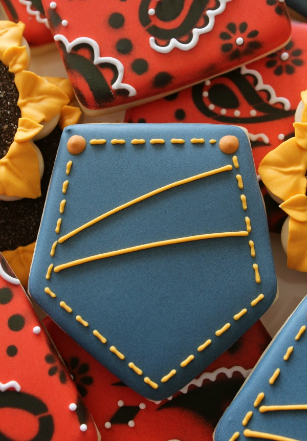 How To Make Navy Blue Royal Icing The Sweet Adventures Of Sugar Belle