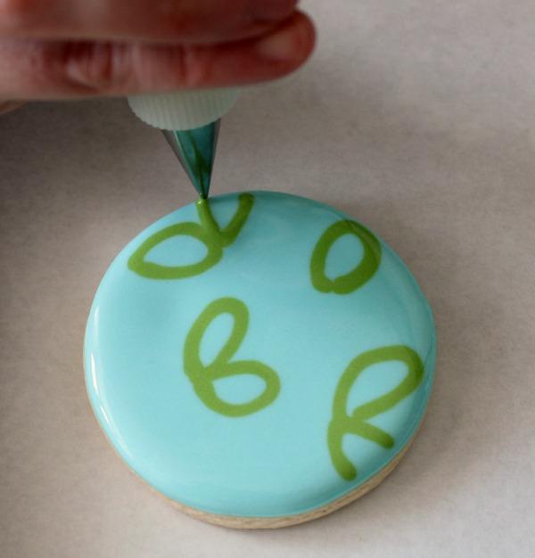 Holly Leaves Cookies