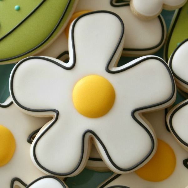 Simple Daisy Cookies_Sweetsugarbelle