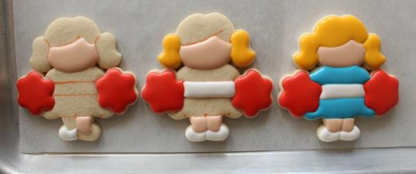 How to Maker Cheerleader Cookies 2