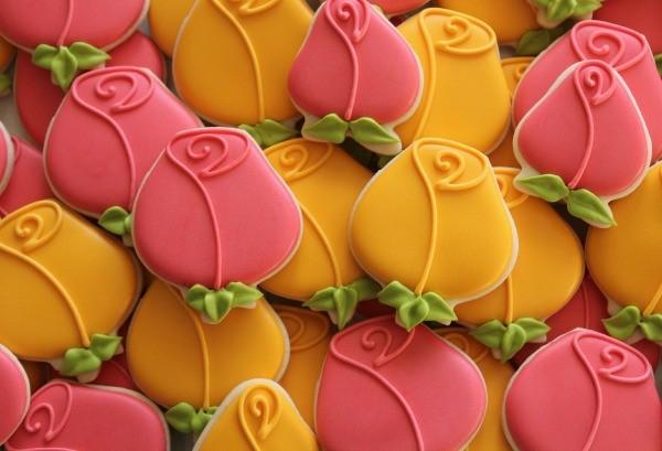 Simple Sugarbelle Rose Cookies