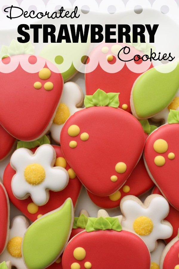 Easy decorated strawberry cookies
