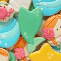 How to make easy mermaid tail cookies in four easy steps via Sweetsugarbelle.com