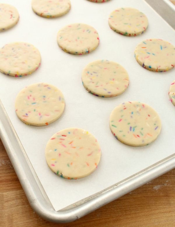 Rainbow Funfetti Cookies for Cookie Decorating via Sweetsugarbelle.com
