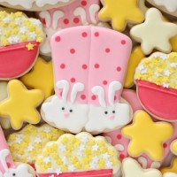 How to Make Adorable Bunny Slipper Cookies for a Sleepover via Sweetsugarbelle.com