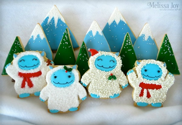 How to decorate Yeti Cookies with Melissa Joy via Sweetsugarbelle cookie decorating blog