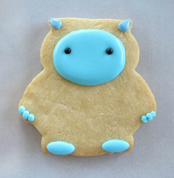 How to make Yeti Cookies with Melissa Joy via Sweetsugarbelle blog