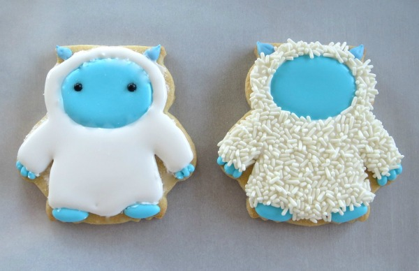 How to make cute Yeti Cookies with Melissa Joy via Sweetsugarbelle blog