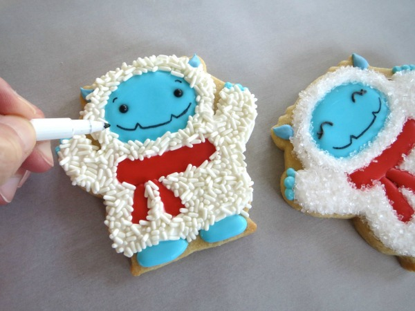 How to make elusive Yeti Cookies with Melissa Joy via Sweetsugarbelle blog