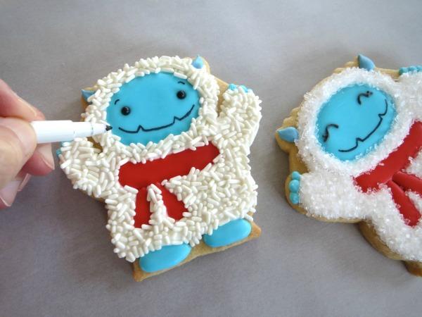 How to make elusive Yeti Cookies with Melissa Joy via Sweetsugarbelle blog