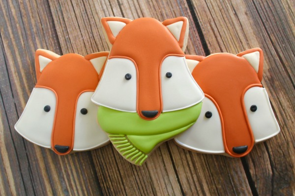 How to make woodland fox cookies with Clough'd 9 Cookies via Sweetsugarbelle.com