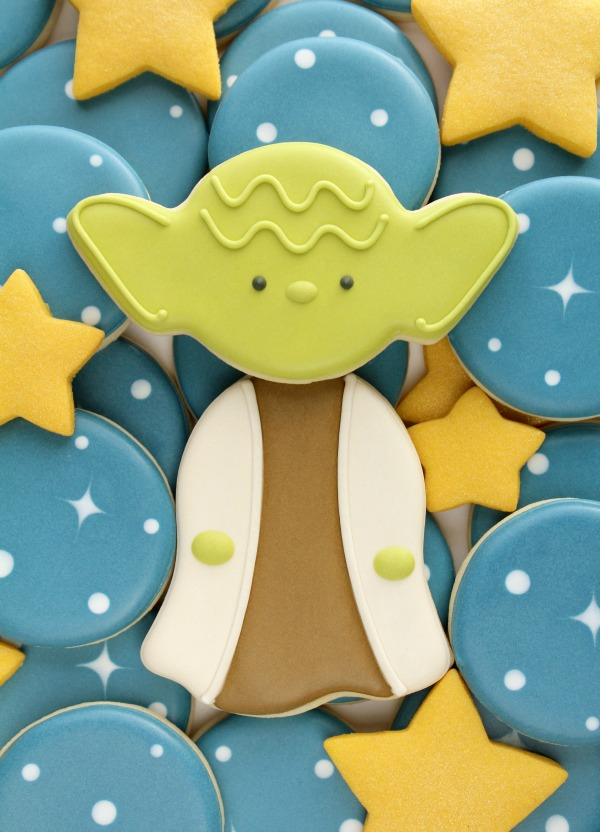 easy-decorated-yoda-cookies-made-with-wilton-halloween-cutters