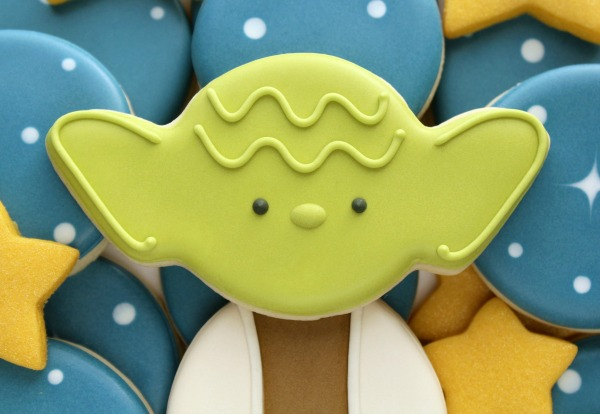 the-easiest-decorated-yoda-cookies-ever-the-best-part-is-that-theyre-made-with-a-wilton-spider-cutter-2