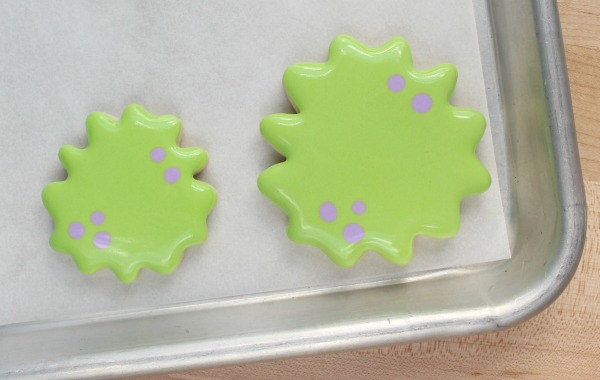 silly-decorated-monster-cookies-step-2